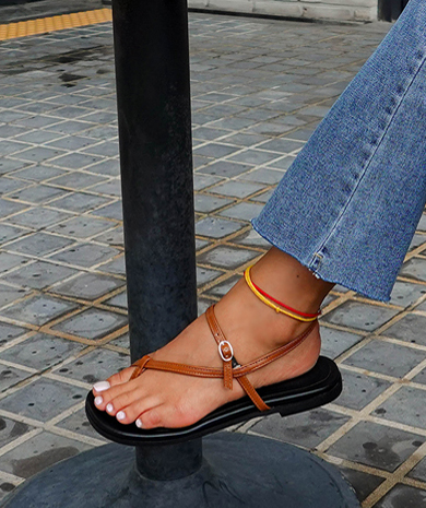 Kins的脚踝